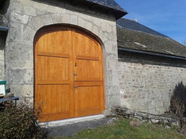 Porte de grange ancienne maison design for Meuble porte grange